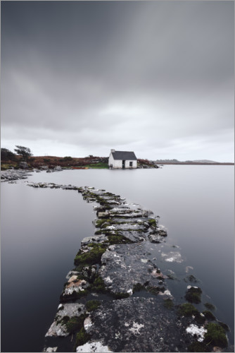 Póster Premium A fisherman´s hut in the endless wilderness of Connemara Ireland