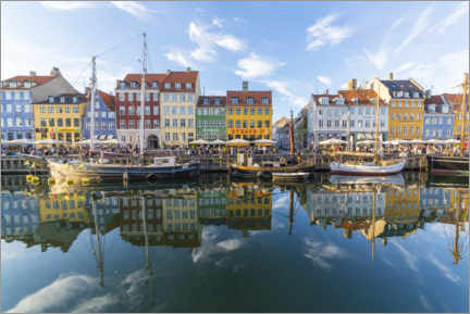 Póster Premium  Reflexões ao longo do Nyhavn em Copenhague - Mike Clegg Photography