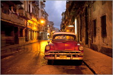 Autocolante decorativo  Red vintage American car in Havana - Lee Frost