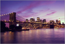 Quadro em plexi-alumínio  Brooklyn Bridge and Manhattan at purple sunset
