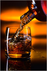 Quadro em plexi-alumínio  whiskey and ice on a glass table