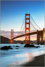 Quadro em plexi-alumínio  Golden gate bridge at dawn from Baker beach, San Francisco, California, USA - Matteo Colombo