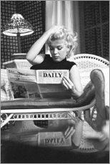 Autocolante decorativo  Marilyn Monroe a ler um jornal - Celebrity Collection