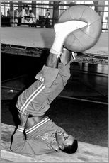 Autocolante decorativo  Joe Frazier during training with a medicine ball