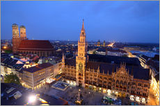 Autocolante decorativo  Church of our Lady and the new town hall in Munich at night - Buellom