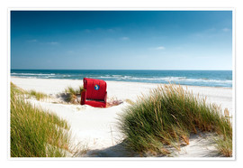 Póster Premium Red beach chair in dunes