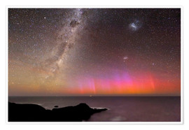 Póster Premium  Aurora australis and Milky Way - Alex Cherney