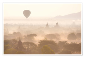 Póster Premium  Balloon above the Bagan temples - Lee Frost