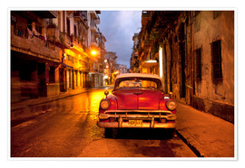 Póster Premium  Red vintage American car in Havana - Lee Frost