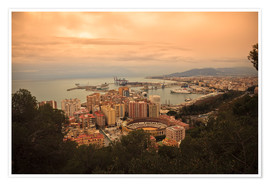 Póster Premium  High angle view of Malaga cityscape with bullring and docks - Ian Egner