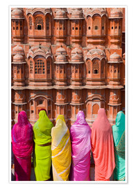 Póster Premium  Women in front of the Hawa Mahal - Gavin Hellier