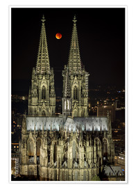 Póster Premium  Blood moon shines over Cologne Cathedral - rclassen