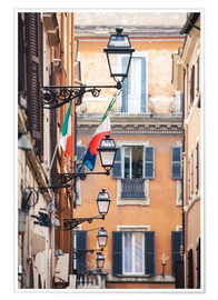 Póster Premium  Street in the centre of old town with italian flags, Rome, Italy - Matteo Colombo