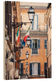 Quadro de madeira  Street in the centre of old town with italian flags, Rome, Italy - Matteo Colombo
