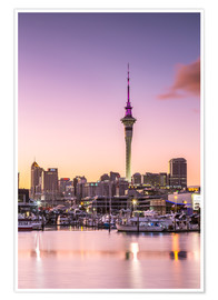 Póster Premium  Skyline of Auckland city and harbour at sunrise, New Zealand - Matteo Colombo