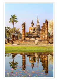 Póster Premium  Wat Mahathat buddhist temple reflected in pond, Sukhothai, Thailand - Matteo Colombo