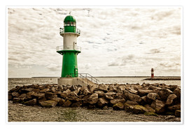 Póster Premium  Green and red lighthouse at the harbor entrance of Warnemünde