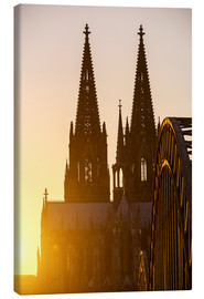 Quadro em tela  Sunset behind the Cologne Cathedral