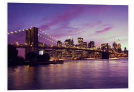 Quadro em PVC  Brooklyn Bridge and Manhattan at purple sunset