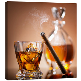 Quadro em tela  Cigar on glass of whiskey with ice cubes