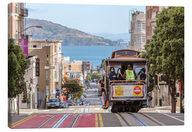 Quadro em tela  Cable car on a hill in the streets of San Francisco, California, USA - Matteo Colombo