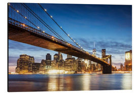 Quadro em alumínio  Brooklyn bridge and Manhattan at night, New York city, USA - Matteo Colombo