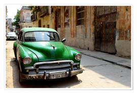 Póster Premium  Vintage car in the streets of Havana, Cuba - HADYPHOTO