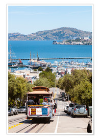 Póster Premium  Tram with Alcatraz island in the background, San Francisco, USA - Matteo Colombo