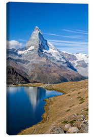 Quadro em tela  Hikers walking on the path beside the Stellisee with the Matterhorn reflected. Zermatt Canton of Val - Roberto Sysa Moiola