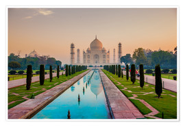 Póster Premium  Sunrise at the Taj Mahal - Laura Grier