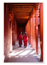 Póster Premium  Two young monks in a monastery, Nepal - Matteo Colombo