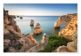 Póster Premium Cliffs at sunrise, Praia Da Marinha, Algarve, Portugal