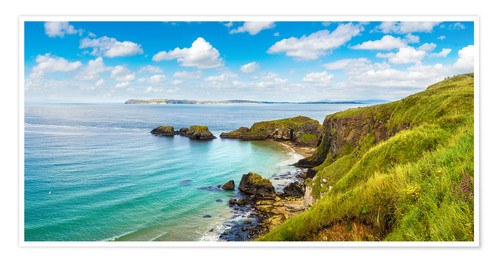 Póster Premium Coast of Northern Ireland on a beautiful summer day