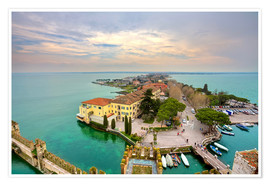 Póster Premium Scaglieri castle of Sirmione on Lake Garda
