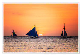 Póster Premium Sailboats in the sunset