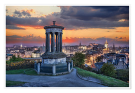 Póster Premium  Edinburgh against sunset with Calton Hill