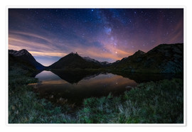 Póster Premium The Milky Way Galaxy reflected on alpine lake