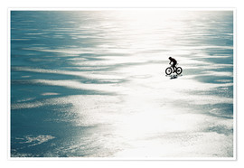 Póster Premium  Man cycling on a frozen lake - Johner