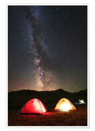 Póster Premium Shining tents under the Milky Way