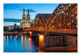 Póster Premium  Cologne Cathedral and Hohenzollern Bridge at night - Jan Christopher Becke